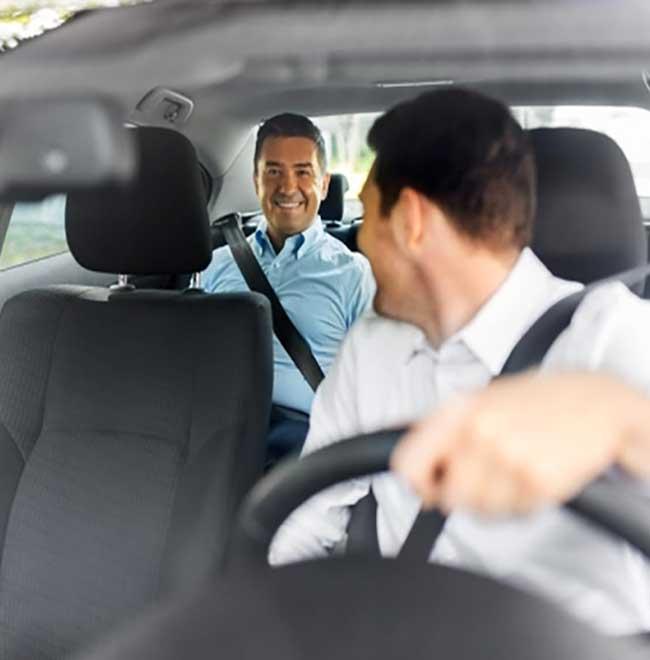 Chauffeur-avecClient-aomservices660